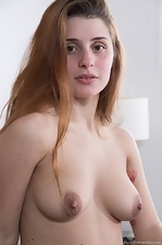 Skyler strips naked on her sofa to show body off - pic #3