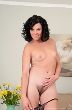 Time for Sofia Matthews to play in the living room - pic #8