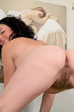 Time for Sofia Matthews to play in the living room - pic #11