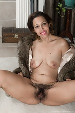Sophie Moore is elegant in her fur and black boots  - pic #15