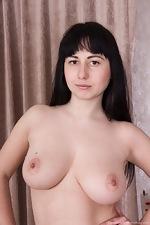 Dressed in pink Tayra Jane strips naked  - pic #5