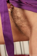 Vanda busts out of her silky dress - pic #6
