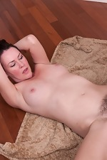 Veronica Snow Gives blowjob and has wild hairy sex - pic #14