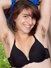 Zooey Hairy Pussy Girl