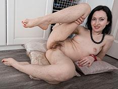 Vita shows off her sexy black tights
