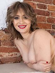 Yulenka Moore WeAreHairy