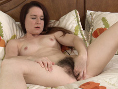 Hairy girl Annabelle Lee loves to watch porn