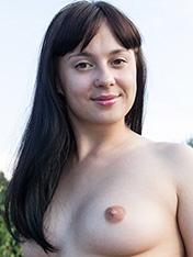 Nina WeAreHairy
