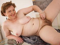 Mature hairy woman Romana Sweet loves her body