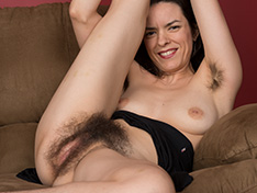 Lucia strips from black dress to play alone