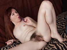 Annabelle Lee plays with her new sex toys