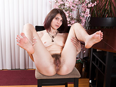 Aislynn strips naked on her chair